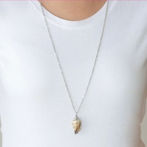 Seashell necklace with matching earrings
